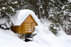 selecting-your-winter-camping-shelter