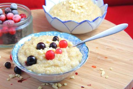 Spiced Breakfast Quinoa Porridge with berries