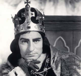 a literary analysis of the play richard iii by richard loncraine and ian mckellen Sir ian mckellen celebrates his 75th birthday today (may 25), and what better way to pay tribute to the great man himself than with a collection of his greatest roles mckellen has come a long way.