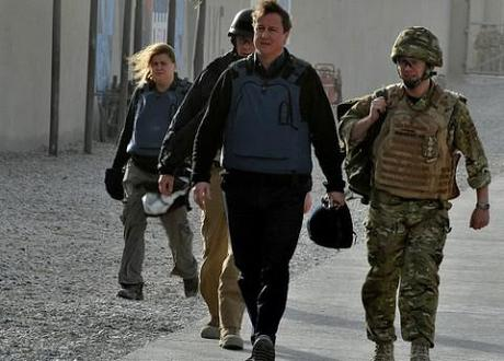 Barack Obama and David Cameron expected to agree combat withdrawal from Afghanistan by mid-2013