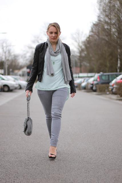 Outfit: Mint & The Perfect Heels