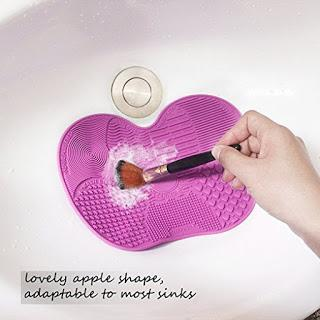 Image: Makeup Brush Cleaning Mat   Suitable for a thorough cleaning of various facial and eye makeup brushes