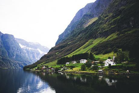 essay on traveling europe Travelstategov international travel before you go traveler's checklist europe travel via canada and uk – europe's 26 schengen countries.