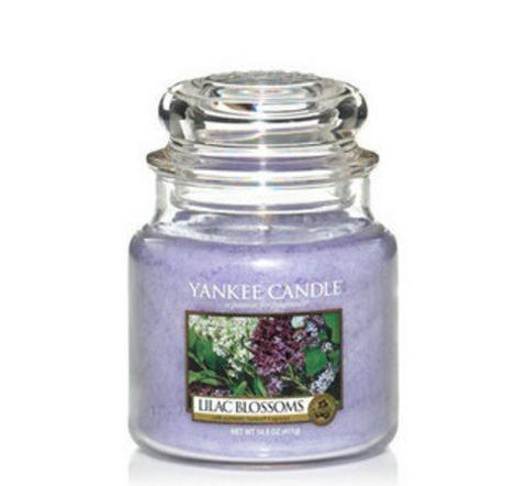 Anyone with any common sense knows that Yankee Candle has the best scents. The multinational company has over 40 years of experience stuffing big scents into small packages, including tea lights, votives, pillars, tumbler candles, and jar candles.