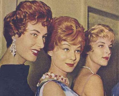 1958-DIRECTOIRE-HAIRSTYLE-FROM-PARIS