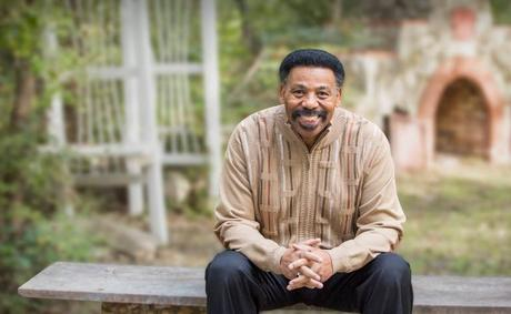DR. TONY EVANS NEW BOOK 'DETOURS' DONATED TO PRISON MINISTRY CAMPAIGN
