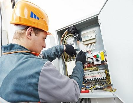 5 Questions to Ask Licensed & Experienced Electrician before Hiring