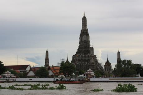 DAILY PHOTO: Wat Arun from the River