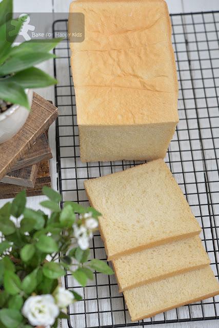 Japanese Shokupan Condensed Milk Sandwich Bread - Recipe Two: Soft ...