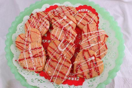 Rose and Cardamom Shortbread Cookies