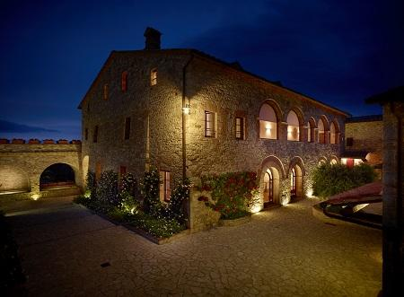 Le Fontanelle Hotel blends ancient medieval charm with traditional Tuscan landscapes