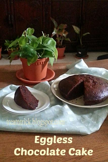 Eggless Chocolate Cake 2 Recipe  @ treatntrick.blogspot.com