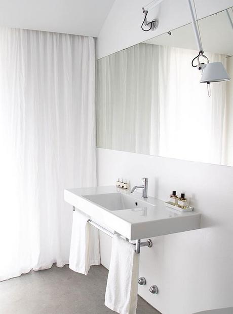 Simple yet gorgeous white bathrooms