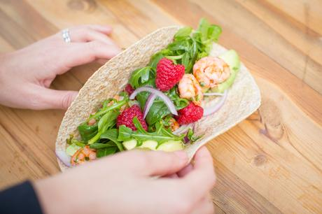 Fitness On Toast Faya Blog Girl Healthy Workout Meal Post Training Dish Tasty Idea Food Cook Recipes Healthy Diet Lean Protein Prawn Fresh Berries Raspberries Berry World Make Food-3