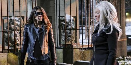 "Arrow's ""The Sin-Eater"" Wastes Its Shot at Creating Its Own Gotham City Sirens"