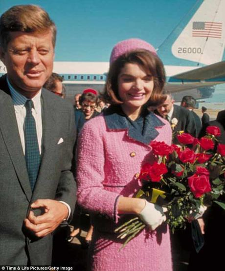 The-power-of-pink---Jackie-Kennedys-iconic-Chanel-suit