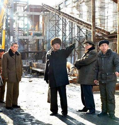 Pak Pong Ju Visits S. Hamgyo'ng