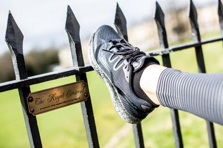 Fitness On Toast Faya Blog Girl Healthy Workout Saucony Stretches Stretching Warm Down Shoes-5