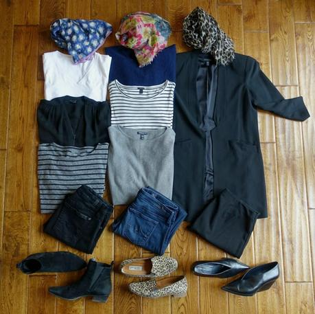 10-piece travel wardrobe