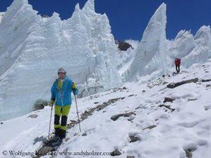 Himalaya Spring 2017: Blind Austrian Climber Returns to Everest