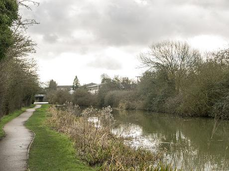 Looking back along the canal to Old Wolverton