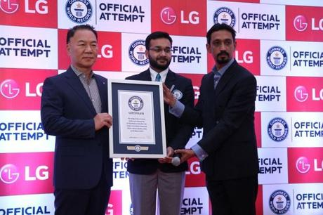 Witnessing the LG #KarSalaam Guinness World Record