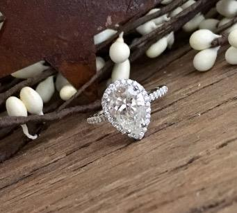 Bella9280 Halo Pear Diamond Ring Upgrade
