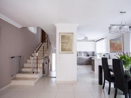 Installing Travertine Tiles on Walls or Floors