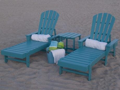 Plastic Pool Lounge Chairs