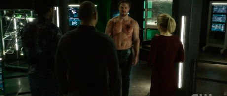"Arrow's ""Kapiushon"" Forces Oliver to See Himself for Who He Really Is"
