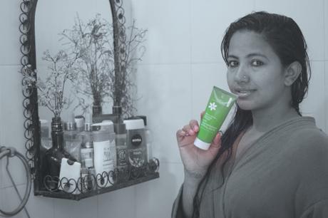 Blossom Kochar's Aroma Magic Anti Pigmentation Gloss Pack