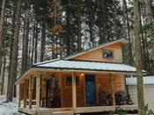 Blue Moon Rising: Sustainable Getaway with Tiny Houses