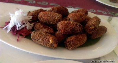 Bengali Food Festival: The Leela Ambience Convention Hotel, Delhi