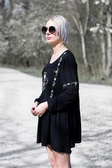 Moth clothing, embroidered skater dress, round sunglasses primark, SS17 outfit