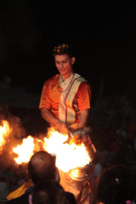 DAILY PHOTO: Ganga Aarti Brahmin
