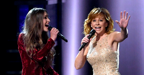 "Watch: Lauren Daigle Perform ""Back To God""  With Reba McEntire"