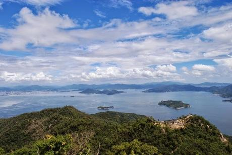 Miyajima Island – A Day Trip to the Floating Torii Gate and Mount Misen
