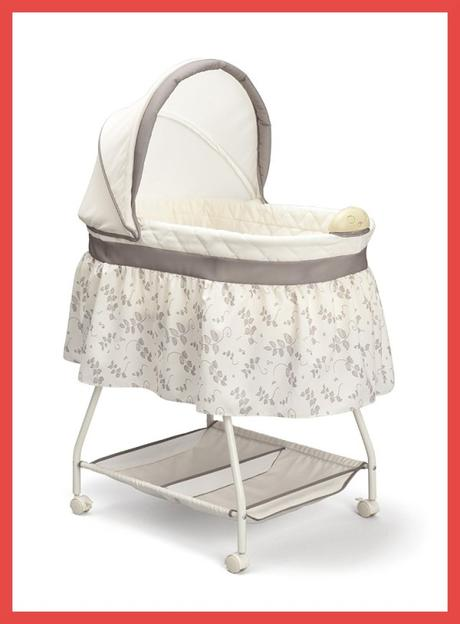 Delta Children Sweet Beginnings Bassinet Photo