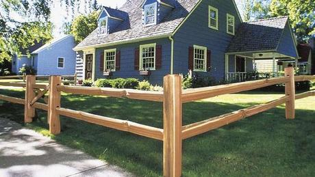 30+ Cheap Fence Ideas for Your Home, Garden, Perimeter, and Privacy