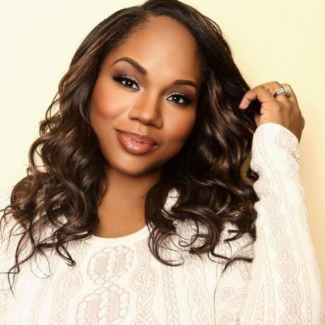 """Sarah Jakes Roberts Talks New Book """"Don't Settle For Safe"""""""