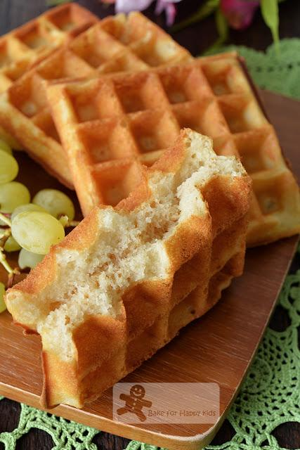 Easy Pour-Mix-and-Cook Buttermilk Waffles (can Be Made with Eggless ...