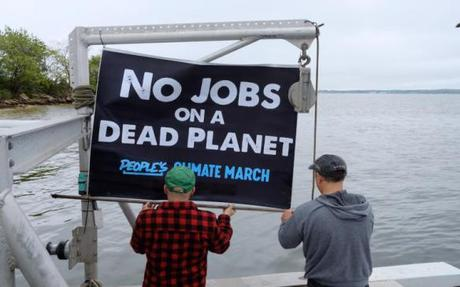 """Ocean Farmers Make """"Climate March by Sea"""""""