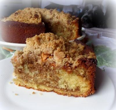 Crumb Topped Marble Cake