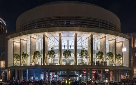 Apple Dubai Mall With One of the Largest Kinetic Art Installations in the World Opens to Visitors