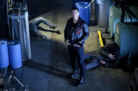 """Arrow's """"Honor Thy Fathers"""" Does the Big-Bad-Threatens-the-Entire-City Plot a Little Earlier than Expected"""