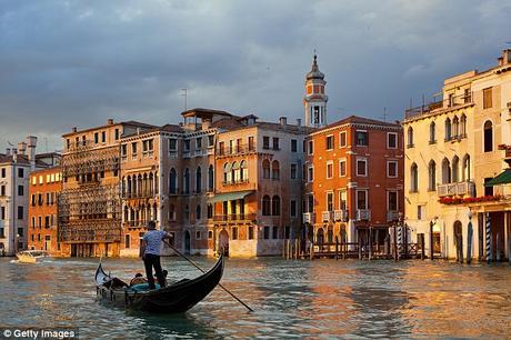 Regularising shops in Marina beach; Venice to become 'no new kebab shops'