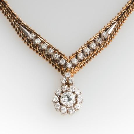 5 Rules for Choosing the Perfect Bridal Necklace