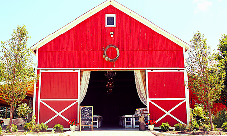 My Obsession with Barn Weddings Continues