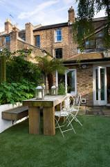 How to Decorate the Outdoor Areas of Your Home?