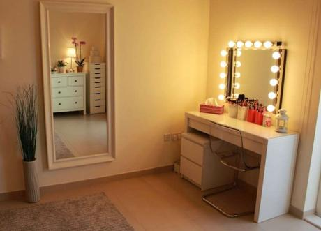 Diy Vanity Mirror With Lights For Bathroom And Makeup Station Paperblog